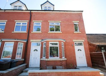 2 bed flat to rent in Stanley Road, Eccles, Manchester M30