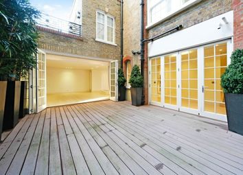 Thumbnail 3 bed flat to rent in Palace Gate, South Kensington