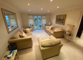 Thumbnail 2 bed flat to rent in Aldernam Road, Bushey