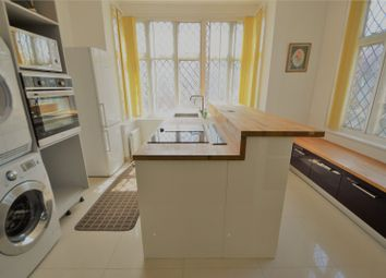 Thumbnail 3 bed flat to rent in Coombe Road, Croydon