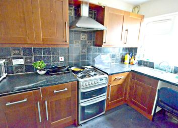 Thumbnail 5 bed flat to rent in Woodland Avenue, Slough