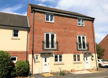 Thumbnail 4 bed town house to rent in Crestwood View, Eastleigh