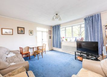 Thumbnail 4 bedroom flat for sale in Churchill Gardens, Pimlico