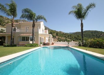 Thumbnail 3 bed villa for sale in Cascada De Camojan, Marbella Golden Mile, Costa Del Sol