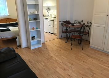 Thumbnail 1 bed flat to rent in Alderbury Road, Hammersmith