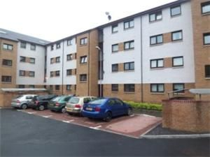 Thumbnail 2 bedroom flat to rent in Saucel Crescent, Paisley, Renfrewshire