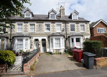 Thumbnail 3 bed flat to rent in Junction Road, Reading, Berkshire