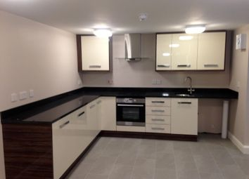 3 bed flat to rent in Dickenson Road, Manchester M14