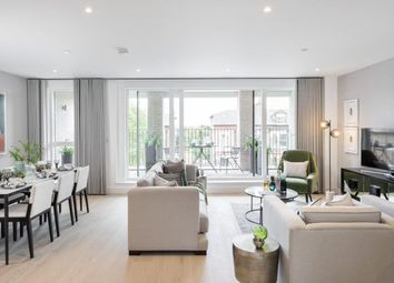 Thumbnail 4 bed flat for sale in The Avenue, London