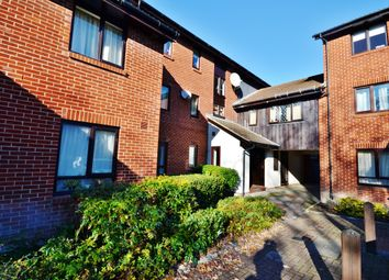 Thumbnail 1 bed flat for sale in Exeter Court, Didcot