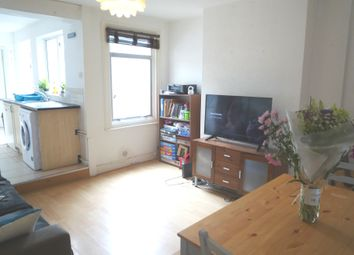 Thumbnail 2 bed detached house to rent in Oxford Street, Caversham, Reading