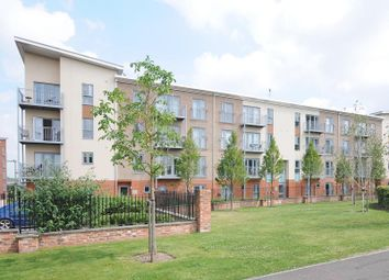 Thumbnail 3 bed flat to rent in Ashdown House, Battle Square, Reading