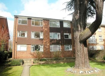 Thumbnail 2 bed flat to rent in Rectory Road, Rickmansworth
