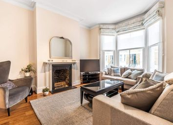 Armadale Road, London SW6. 3 bed flat for sale