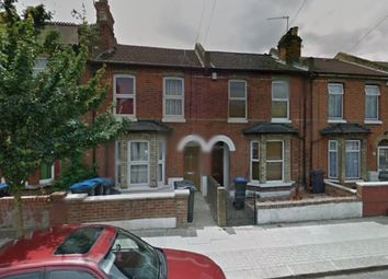 Thumbnail Room to rent in Denzil Road, North West London