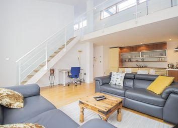 Thumbnail 2 bed flat to rent in Featherstone Street, London