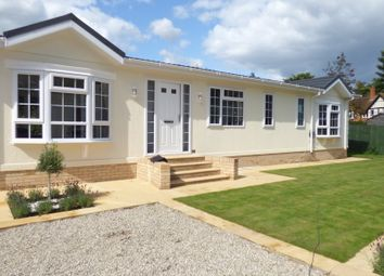 Thumbnail 2 bed mobile/park home for sale in Strayfield Road, Enfield