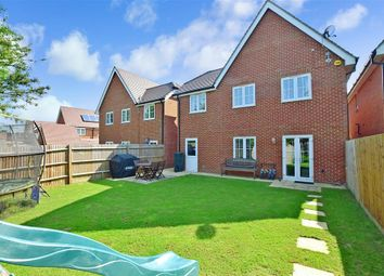 Thumbnail 4 bed detached house for sale in Daux Avenue, Billingshurst, West Sussex