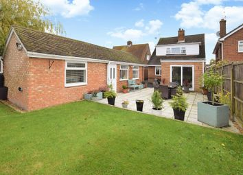 Thumbnail 3 bed property for sale in Seamons Close, Dunstable