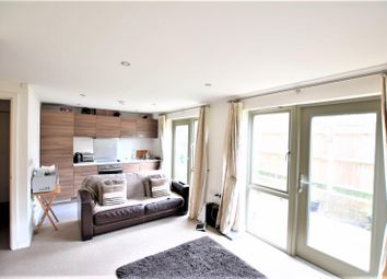 Thumbnail 1 bed flat to rent in Sydney Road, Sutton