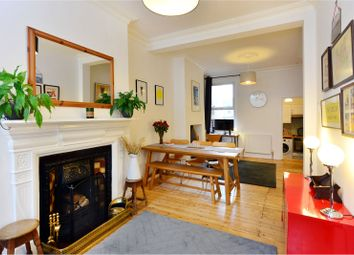 Thumbnail 2 bedroom flat for sale in Arcadian Gardens, London