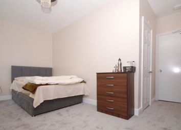 Room to rent in Birnam Road, Holloway, London N4