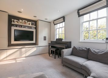 Thumbnail 5 bedroom property to rent in Greens Court, Lansdowne Mews, Holland Park