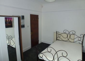 Thumbnail 1 bedroom flat to rent in Queensland Avenue, Coventry