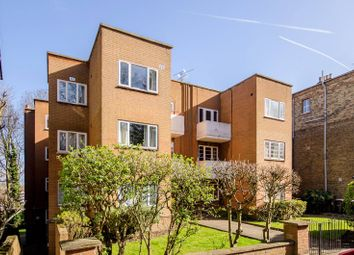 Thumbnail 2 bedroom flat for sale in Crescent Road, Crouch End