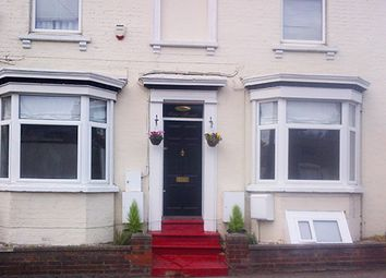 Thumbnail 2 bed flat to rent in Old Road, Leighton Buzzard