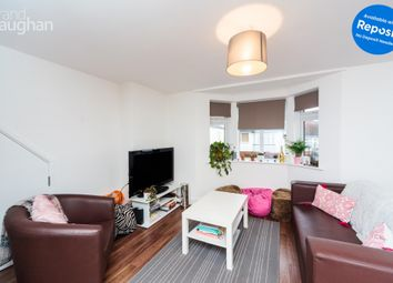 2 bed flat to rent in Carlyle Avenue, Brighton BN2