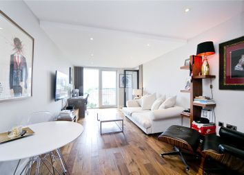 Thumbnail 1 bed flat to rent in De Beauvoir Cresent, London