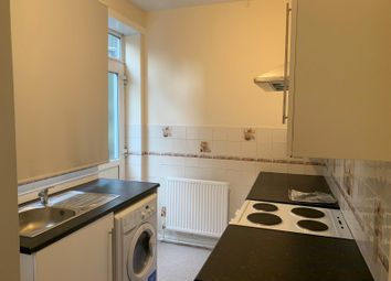 3 bed semi-detached house to rent in Farley Hill, Luton LU1
