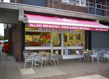 Thumbnail Restaurant/cafe for sale in Upper Haliford Rd, Shepperton