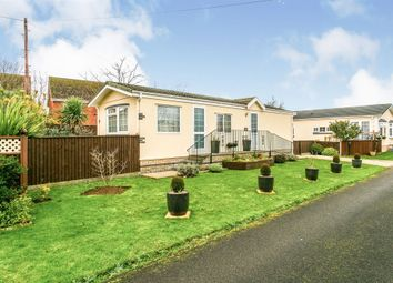Thumbnail 2 bedroom mobile/park home for sale in Badgers Holt, Longstanton, Cambridge