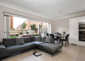 Thumbnail 4 bed town house to rent in Amberden Avenue, Finchley N3,
