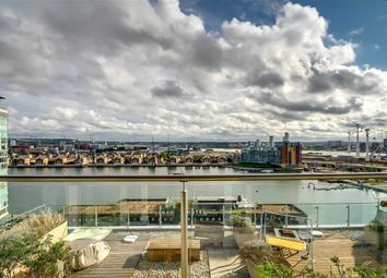 Thumbnail 3 bed flat for sale in Western Gateway, Canary Wharf, London