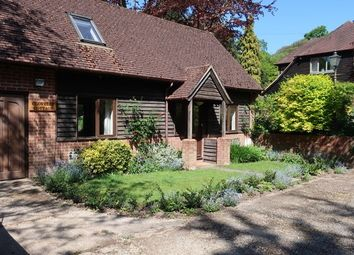 Thumbnail 2 bed cottage to rent in Christchurch Road, Winchester