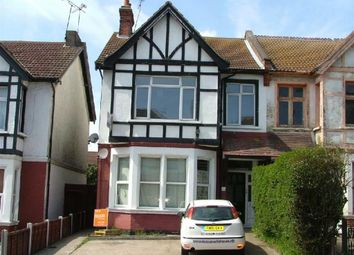 3 bed flat to rent in Valkyrie Road, Westcliff-On-Sea, Essex SS0