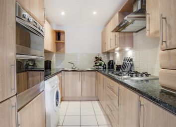3 bed town house for sale in The Galleries, Dovecot Road, High Wycombe HP13