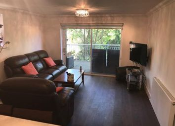 3 bed flat to rent in Highview House, Queens Road, Hendon NW4