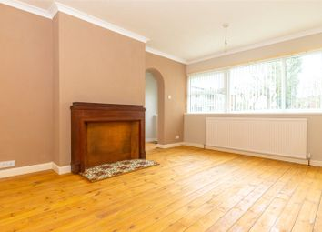 2 bed flat to rent in North Hill Close, Leeds, West Yorkshire LS8
