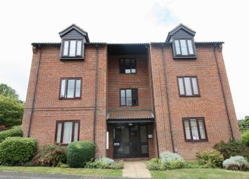 Thumbnail 1 bed flat to rent in Half Moon Meadow, Hemel Hempstead