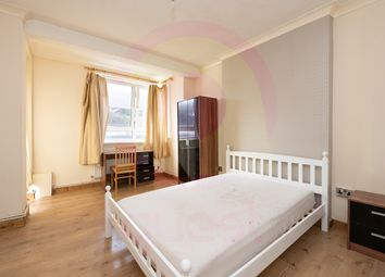 Thumbnail 4 bed flat to rent in Collingwood Street, Whitechapel, London