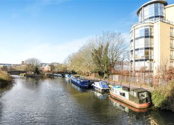 2 bed flat for sale in The Meridian, Kenavon Drive, Reading, Berkshire RG1