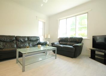 3 bed flat to rent in Sloane Court, Newcastle Upon Tyne NE2