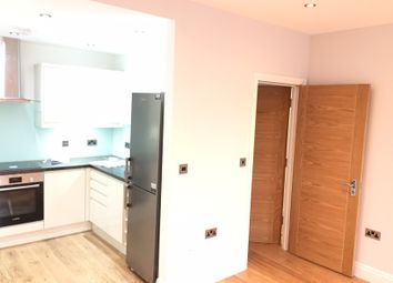 Thumbnail 1 bed flat to rent in Walworth Road, Elephant & Castle, London Se1