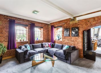 Thumbnail 2 bedroom flat for sale in Bourneside Road, Addlestone, Surrey