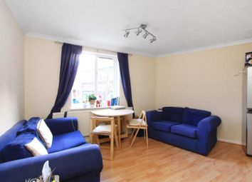 Thumbnail 1 bed flat to rent in Wapping, London