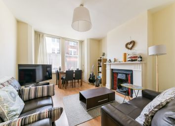 2 bed flat to rent in Munster Road, London SW6